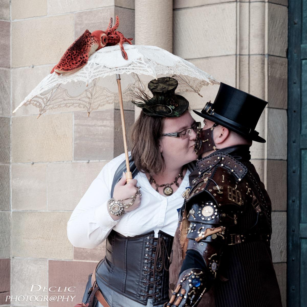 Steampunk kisses
